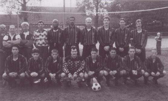 De Paasberg Zondag 1. Seizoen 1994/1995. Trainer Tiny van Haare.