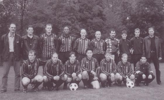 De Paasberg Zondag 1. Seizoen 1998/1999. Trainer: Paul van Koppenhagen.